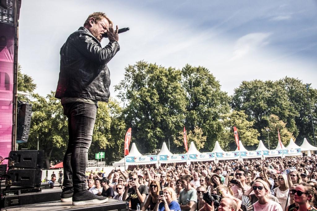 Martijn Fischer als André Hazes tijdens Breda Live 2018. Foto: Vinnie de Laat / Click United © BredaVandaag