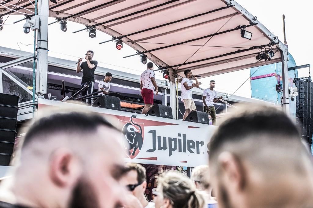 Broederliefde tijdens Breda Live 2018. Foto: Vinnie de Laat / Click United © BredaVandaag