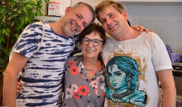 Hans, Jurgen en moeder Joke.
