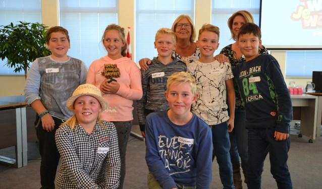 De kinderen van basisschool Merijntje namen de wisselbokaal in ontvangst