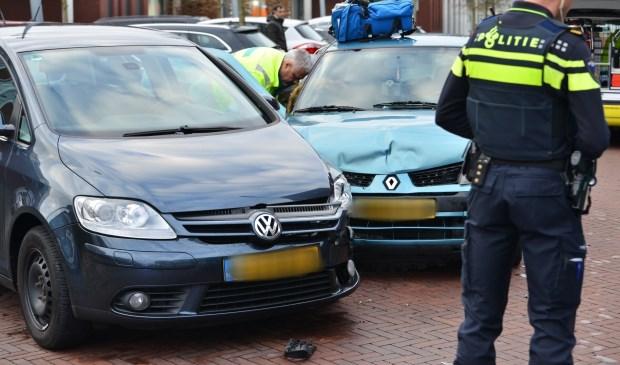 Twee auto's kwamen in botsing op de Kronenburgwerf.