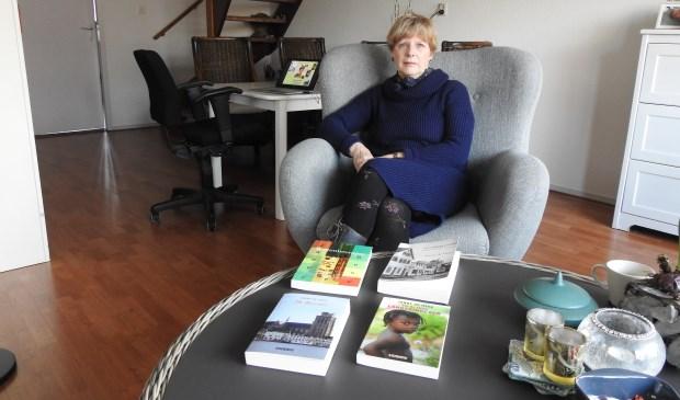 Janny de Heer uit Kapelle heeft al meerdere boeken op haar naam staan.