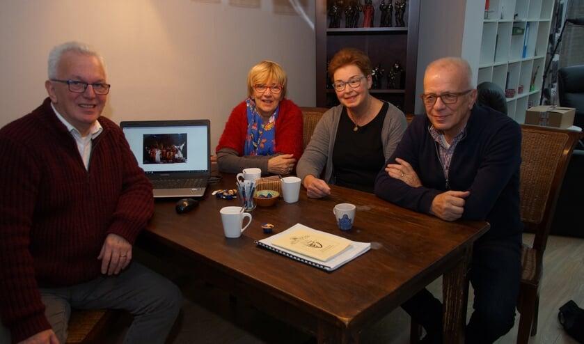 Regisseur Mart Schrauwen, leescommissielid Annie Schrauwen, secretaris Annemiek Schrauwen en voorzitter Wim van den Broek verheugen zich op dit bijzondere jubileumjaar.