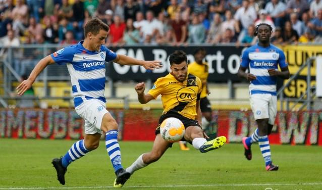 NAC won het thuisduel van De Graafschap met 3-0,