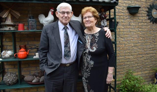 Het nog immer gelukkige echtpaar Oomen-Nouws. FOTO STELLA MARIJNISSEN