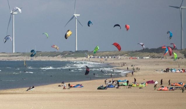Het strand van Vrouwenpolder.