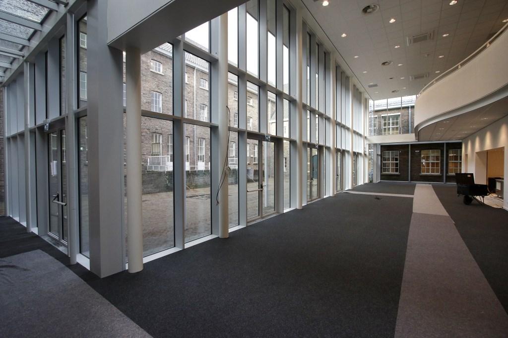 De Seelig Kazerne wordt door de Rooi Pannen omgevormd tot onderwijsbolwerk. Een van de twee nieuwe aula's. Foto: Wijnand Nijs © BredaVandaag