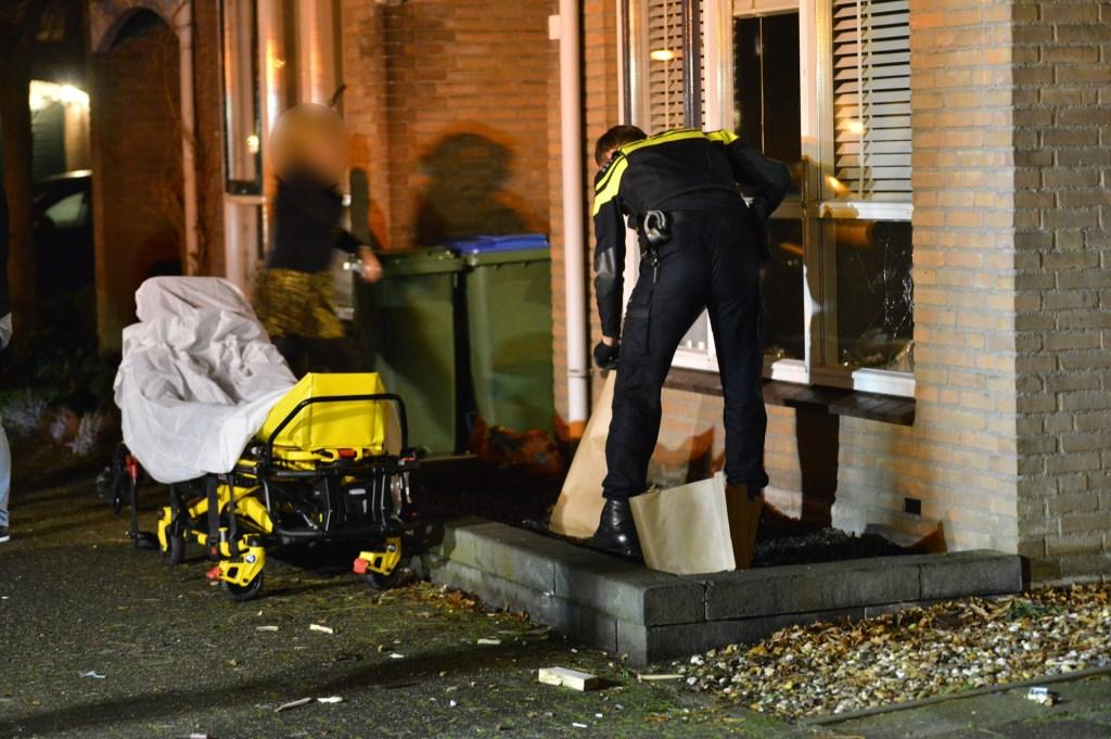 Een vuurwerkincident in de Arenberglaan zorgde voor veel schade en twee gewonden.