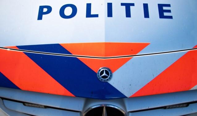 Man (26) tussen Scherpenisse en Halsteren aangehouden voor diefstal uit voertuig - Internetbode