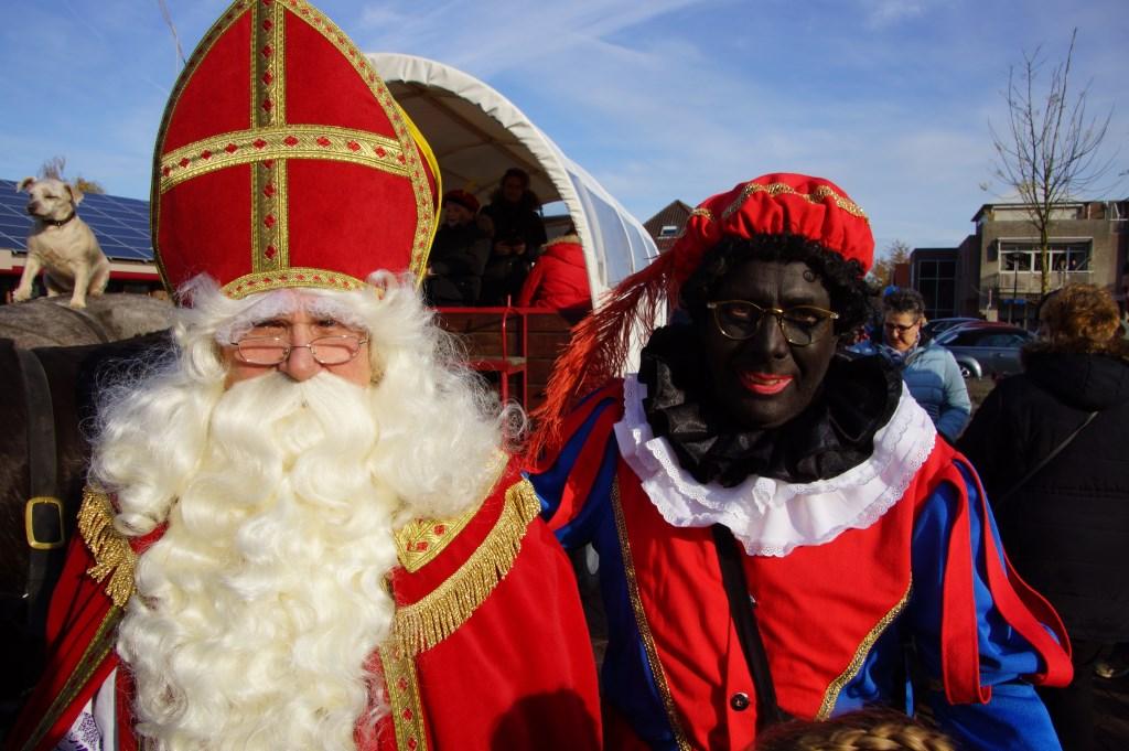 [fotoalbum] Sinterklaas kwam met paarden en huifkar naar St. Willebrord - Internetbode
