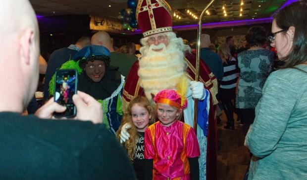 Sinterklaas maakt rondje door gemeente Rucphen 2 15/11 - Internetbode