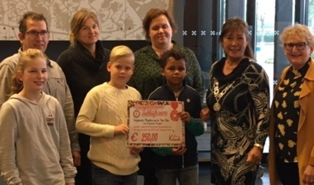 Leerlingen Daltonschool De Vindplaats te gast bij Burgemeestersontbijt in Rucphen - Internetbode