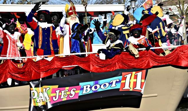 Sinterklaas komt weer aan in Oudenbosch 4 4/11 - Internetbode