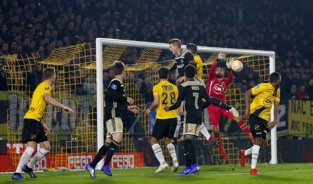 NAC verliest met 0-2 van Ajax.