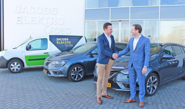 Marcel Nederveen van Auto Indumij (links) en Manfred Jacobs zijn beiden zeer content met de prettige samenwerking