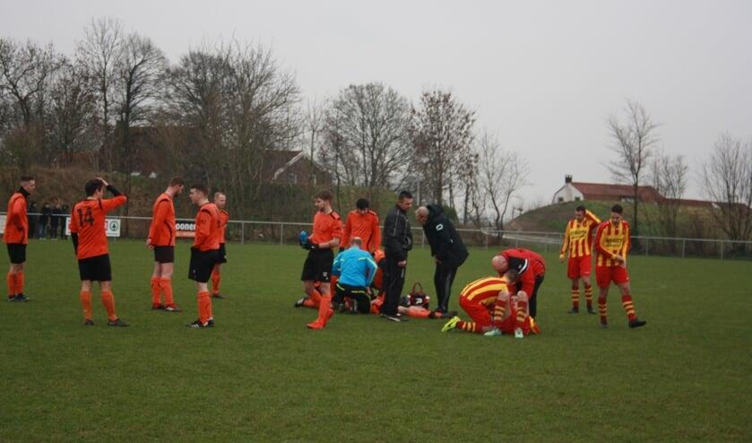 vele keren moest het spel worden stilgelegd door blessures na overtredingen