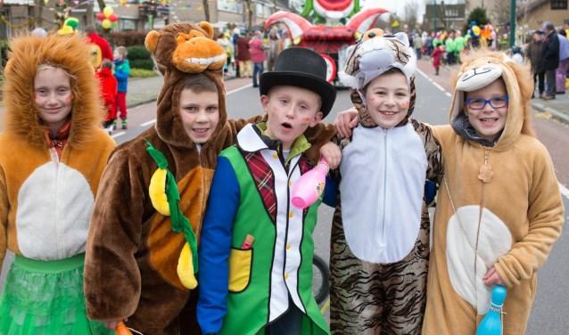 Kinderen tijdens een carnavalsoptocht