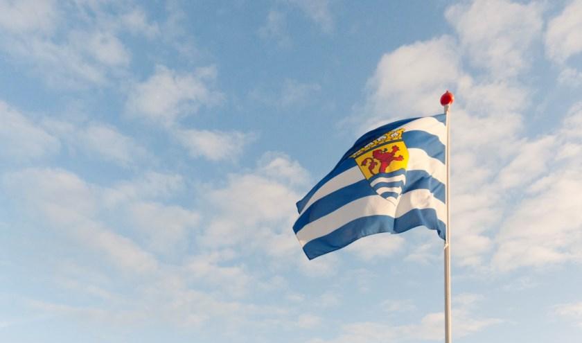 zeeuwse-vlag-zeeland-large_4384519_1389995_8171391_4275085