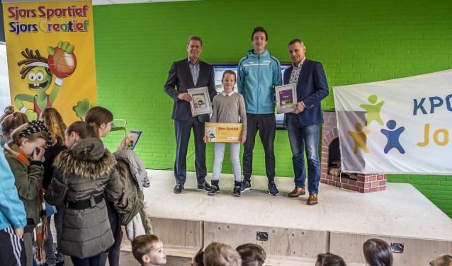 Het Sjors Sportief-boekje wordt ieder jaar officieel uitgereikt