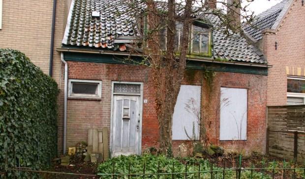 Eén van de verpauperde woningen in Yerseke.