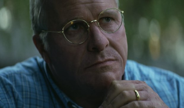 Christian Bale als vice-president Dick Cheney.