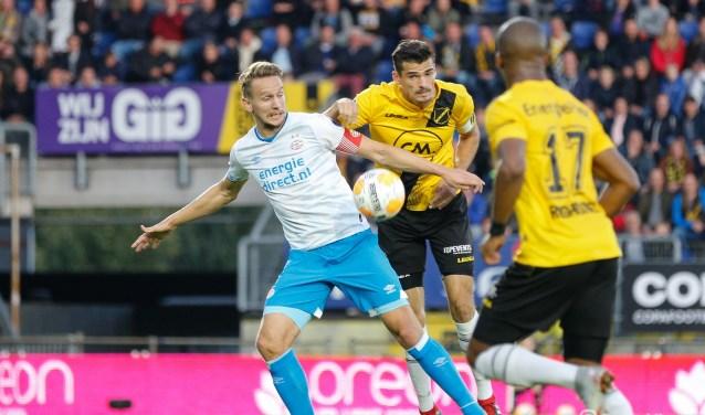 NAC verloor op 29 september 2018 daags na het ontslag van technisch directeur Hans Smulders met 0-2 van PSV.