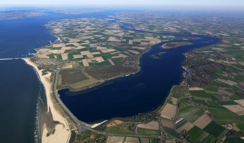 Overzicht van het voormalig eiland Noord-Beveland gmet aan de zuidzijde Veerse Meer en aan de Noordzijde Oosterschelde.
