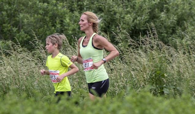 De Obstacle Trail Run is een populairder wordend onderdeel van de Haagse Beemdenloop.