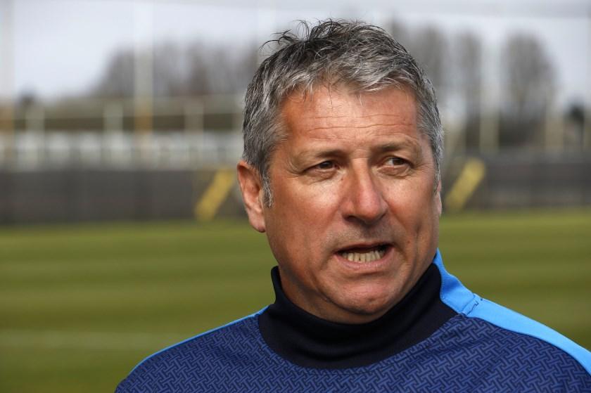 Ruud Brood staat de pers te woord op zijn eerste werkdag als hoofdtrainer van NAC.