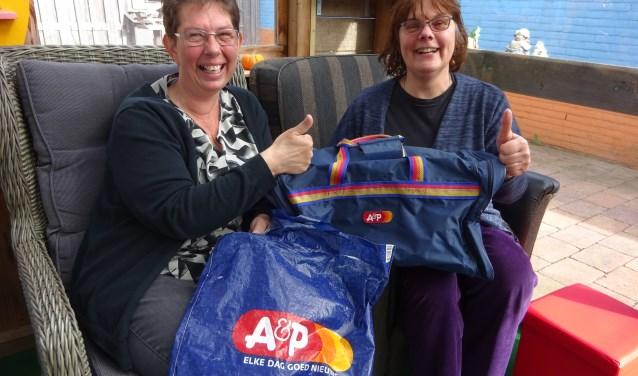 Ellen le Clerq en Marjo Walhout zijn sinds hun A&P-tijd vriendinnen. FOTO MARIELJA TEN BRUGGENCATE