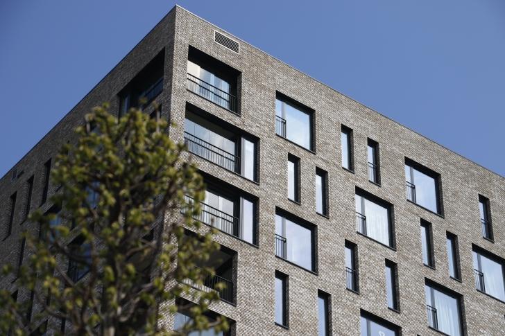 De woontoren op het Dr Struyckenplein kent om en om sociale huur en vrije sector. foto Wijnand Nijs