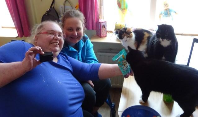 Erica en Nikki van de Kattenbende.