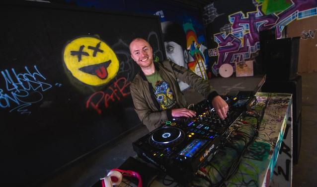 Eén van de betrokken DJ's