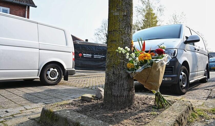 Bloemen voor overleden Ger van Zundert.