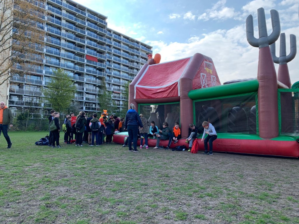Kinderen sporten bij PCP tijdens de Koningsspelen 2019. Foto: Wesley van der Linde/groennieuws.nl © BredaVandaag