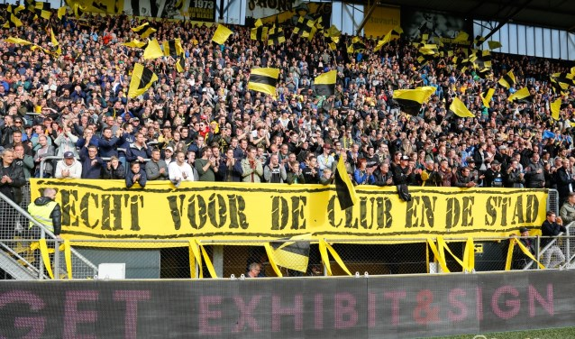 De FC Emmen-fans worden vrijdag ontvangen door 19.000 NAC-supporters.