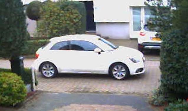 Uit het buurtonderzoek kwam onder meer naar voren dat de dader mogelijk vertrokken was in een witte Audi A1 met buitenlands kenteken.