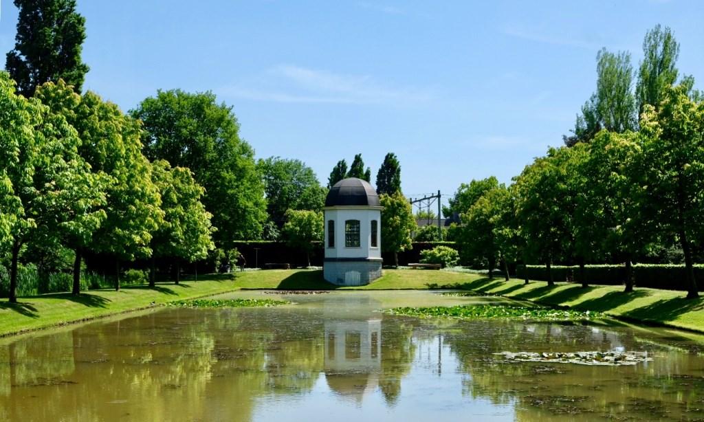 De foto van het theehuisje in het Arboretum van Zeycan Ozmen kreeg de derde prijs.   © Internetbode