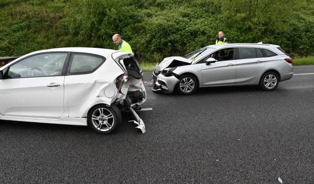 Een kop-staart-ongeval op de A27.