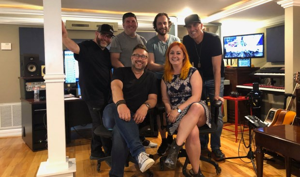 Marlieke van Schaik in de studio in Nashville.