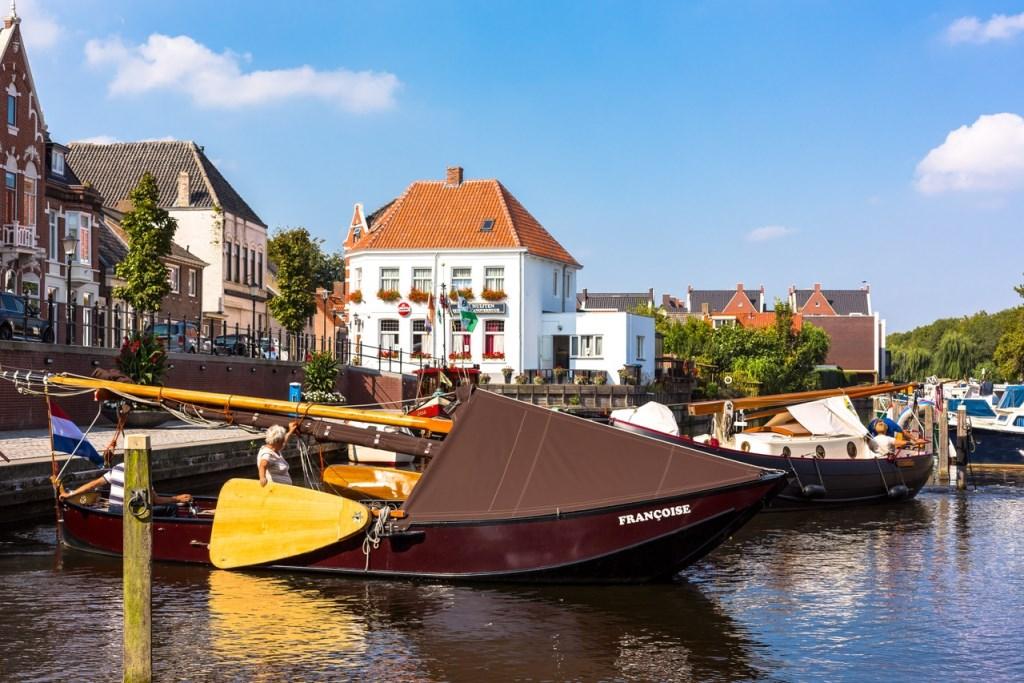 Nummer 2: De haven van Oudenbosch door Geert Hoppenbrouwers   © Internetbode