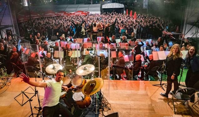 Zon en muziek op het Spanjaardsgat Festival.