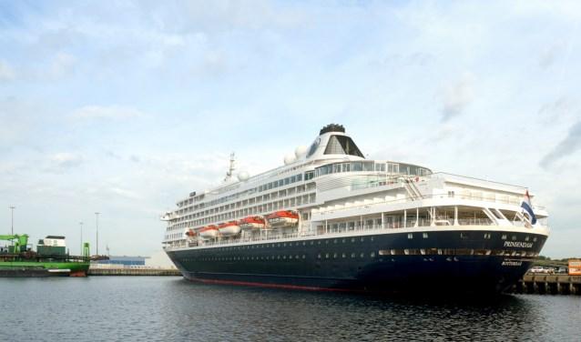 cruiseschip-prinsendam-vlissingen-large