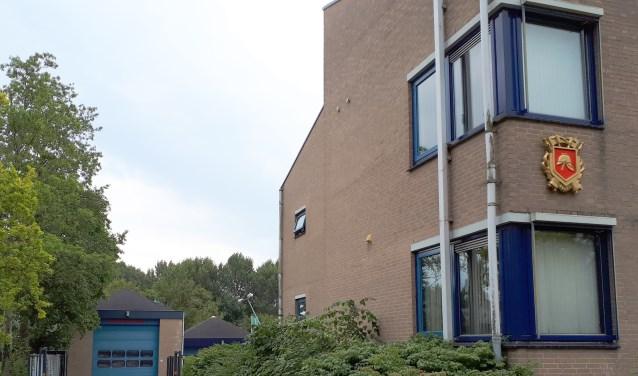 De huidige brandweerkazerne in Heinkenszand is verouderd en moet plaatsmaken voor de nieuwe supermarkt.