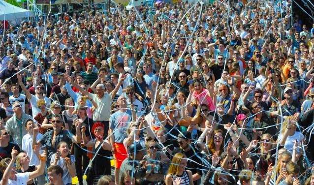 Feesten tijdens het Bevrijdingsfestival.