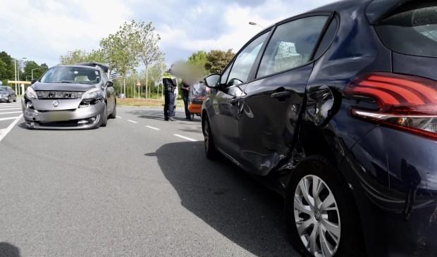 Beide auto's liepen flink wat schade op.