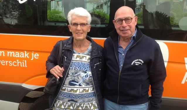 Adri Tax met zijn vrouw.