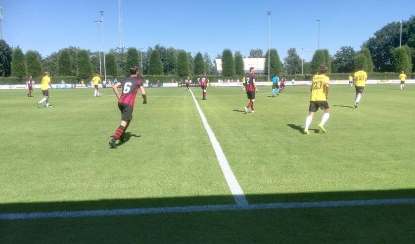 Het eerste doelpunt werd gemaakt door Sydney van Hooijkdonk.