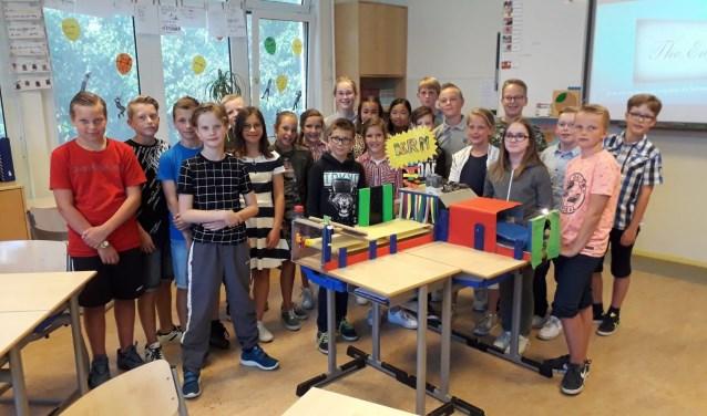 Groep 7/8 Juliana van Stolbergschool wint techprijs. FOTO L. SUURLAND