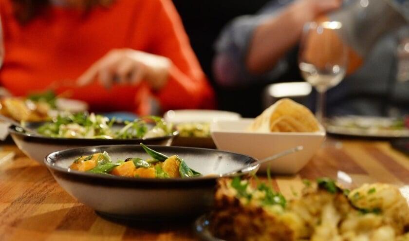 Sfeerimpressie van shared dining.